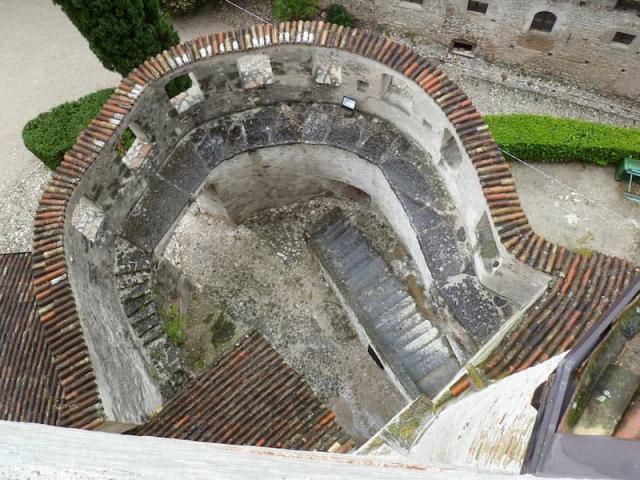 Castel Pietra 5