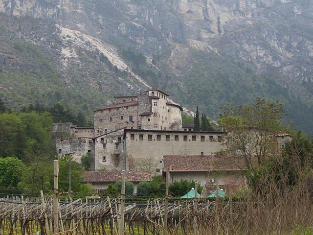 Castel-Pietra-2